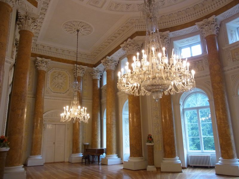 Schloss Pawlowice (Ballsaal)
