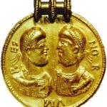 Medallion aus dem Schatz von Zagórzyn (Foto: A. Bursche)