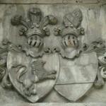 Wappen an der Kirche in Borów Wielki