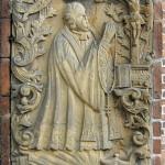 Epitaph von 1736 zur Erinnerung an Pfarrer Matthäus Damian Schmidt (Quelle: Wikipedia, Ralf Lotys, 2007)