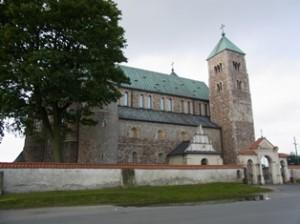Romanische Kirche in Tum